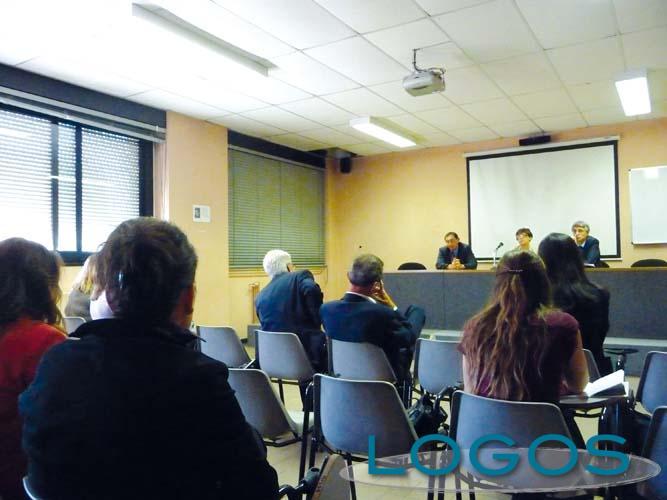 Castano Primo - L'assessore provinciale in visita all'ITC