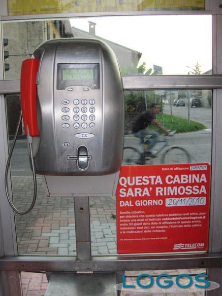 """Malvaglio - """"Cara vecchia cabina..."""" (Foto Francesco Bienati)"""