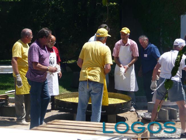 Cuggiono - Festa del Solstizio d'Estate 2011, la paella gigante