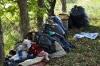 Trecate - Rifiuti sparsi nei contenitori cittadini (Foto internet)