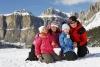 Generica - Famiglia in vacanza in montagna (da internet)