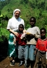 Bernate Ticino - Suor Adriana Agosti con alcuni bambini