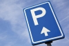 Attualità - Un cartello che indica un parcheggio (Foto internet)