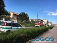 Inveruno - Crolla un lampione per il forte vento (18 aprile 2017)