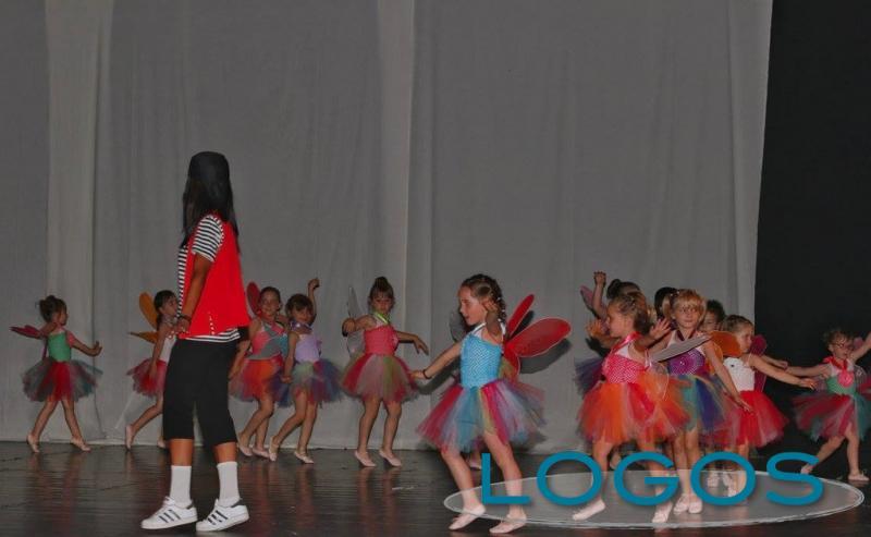 Bernate Ticino - 'Dance Art' durante il saggio