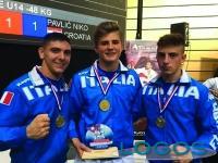 Sport - Riccardo Battioli (a sinistra) con i compagni 'Azzurri'