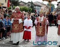 Cuggiono - Il diacono Giovanni Visconti a una celebrazione con il Card. Tettamanzi