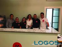 Corbetta - Lo staff della pizzeria 'Quattrocento Grammi'
