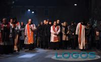 Attualità - Via Crucis con l'Arcivescovo