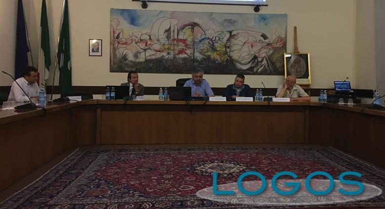 Robecchetto - Incontro pubblico del comitato 'No Porcilaia'
