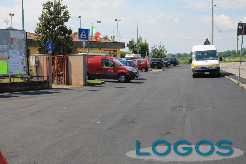Bernate Ticino - Lavori di asfaltatura al Poldo Gasparotto