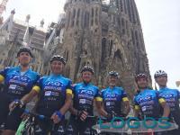 Castano Primo - I sei 'ciclisti' appena arrivati a Barcellona