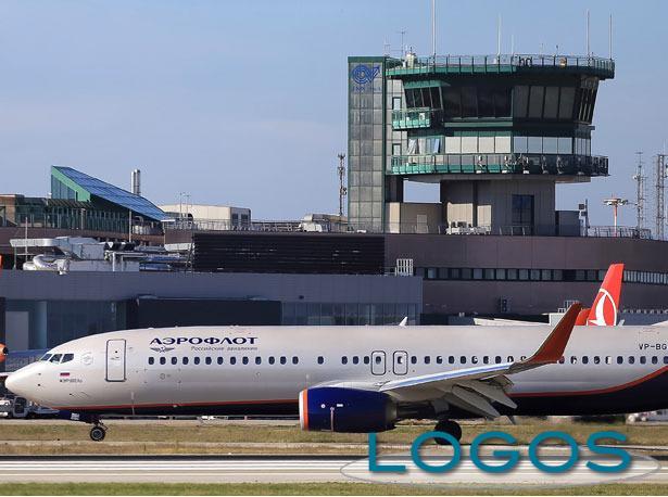Attualità - Aereo in aeroporto (Foto internet)