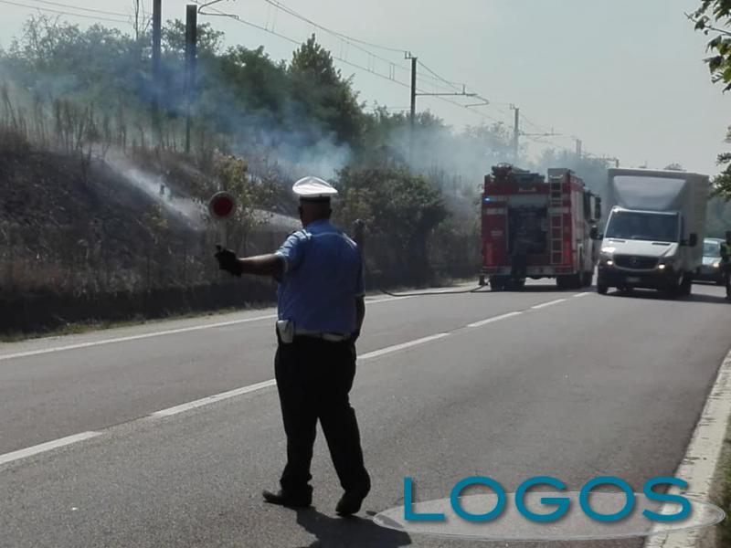 Turbigo - Incendio sulla Statale (Foto facebook)