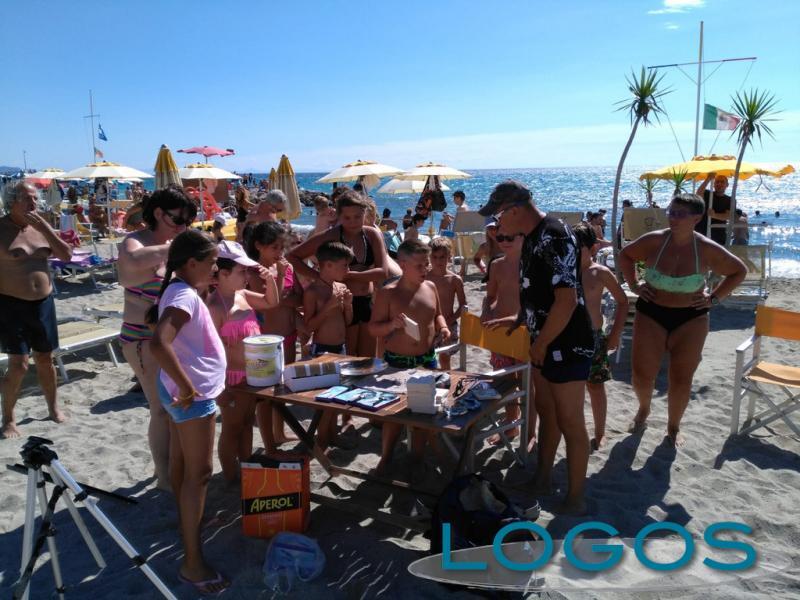 Cuggiono - Stefano Marangon in spiaggia a Ceriale