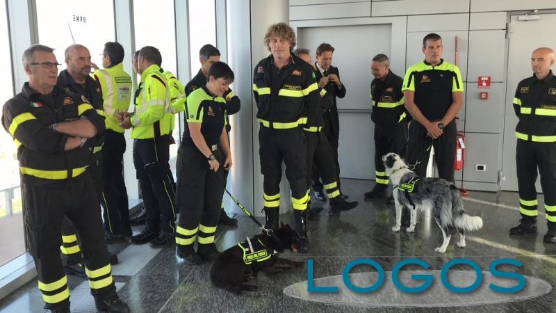 Attualità - AREU e Vigili del fuoco della Lombardia in aiuto ai colleghi dopo il crollo del ponte di Genova