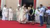 Magnago - Il saluto del sindaco Carla Picco al nuovo parroco don Marco