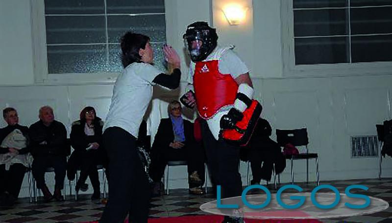 Robecchetto - Il corso di difesa personale (Foto d'archivio)