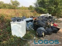 Buscate / Cuggiono - Rifiuti abbandonate nelle campagne del territorio