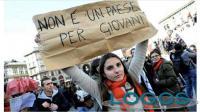 Generica - Un giovane italiano in cerca di futuro (da internet)