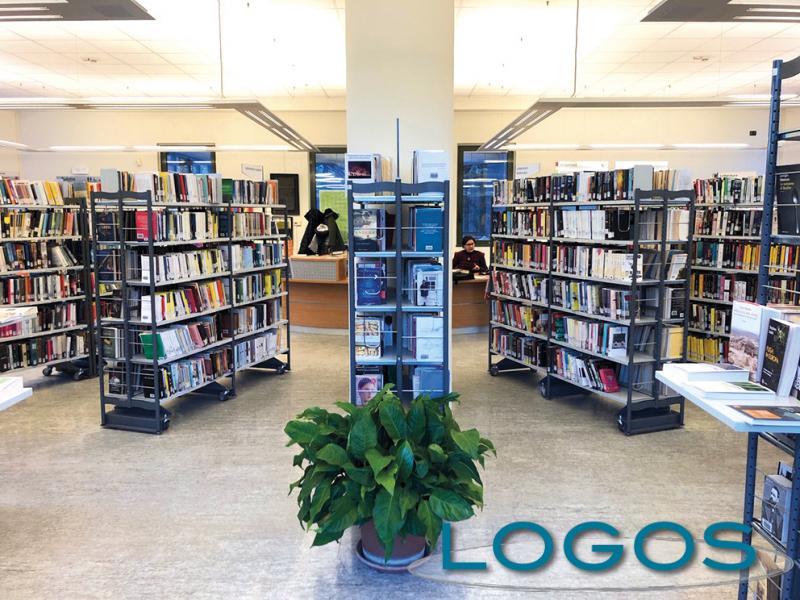 Inveruno - Biblioteca, area libri