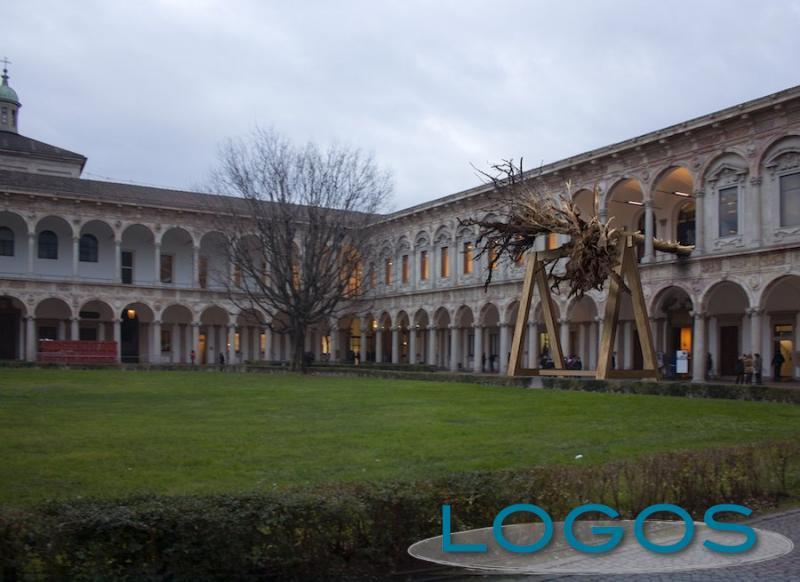 Milano - 'La foresta dei violini'