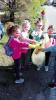 Inveruno - I piccoli alunni puliscono l'ambiente