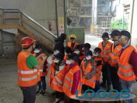 Castano Primo - Un momento della visita alla 'Tecno Recuperi' di Gerenzano