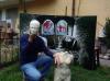 Robecchetto - Francesco Oppi con la sua protesta fatta ad arte
