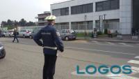 Magenta - Controlli della Polizia locale davanti all'ospedale