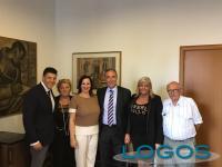 Magenta - L'assessore regionale, Giulio Gallera (al centro), durante l'incontro