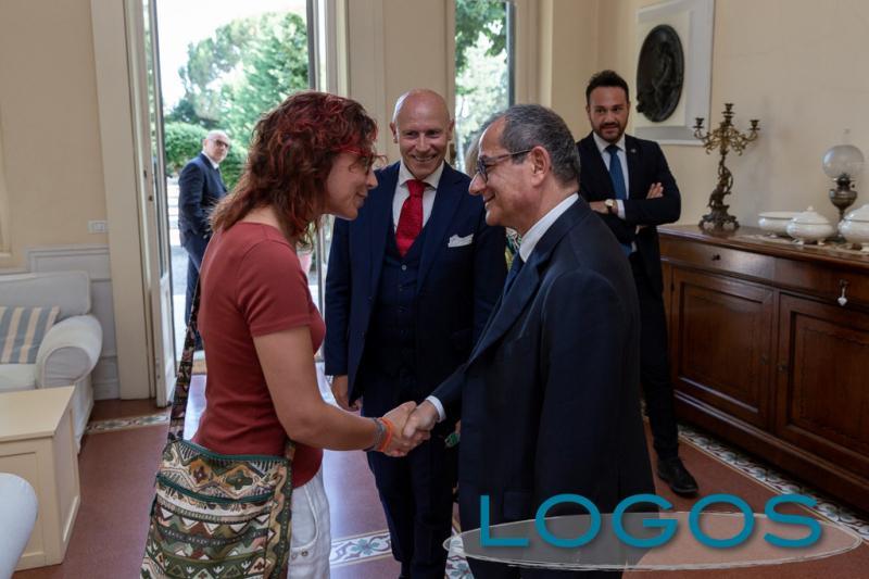 Inveruno - Il sindaco Bettinelli con il Ministro Tria