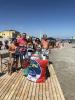 Arconate - Lucrezia Mantovani al mare per raccogliere firme (foto FB Lucrezia Mantovani)