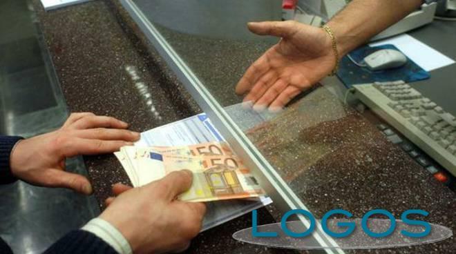 Commercio - Sportello bancario (Foto internet)