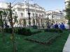 Milano - Un grande orto davanti alla Scala
