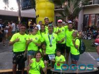 Sport / Storie - Luca con la famiglia e un gruppo di amici