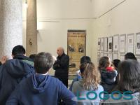 Eventi - Dario Noé con alcuni studenti in visita alle 'sue' macchine