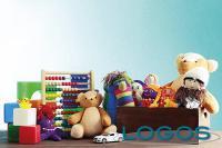 Sociale - Giocattoli e libri in dono ai bimbi