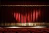 Generica - Sipario teatrale chiuso (da internet)