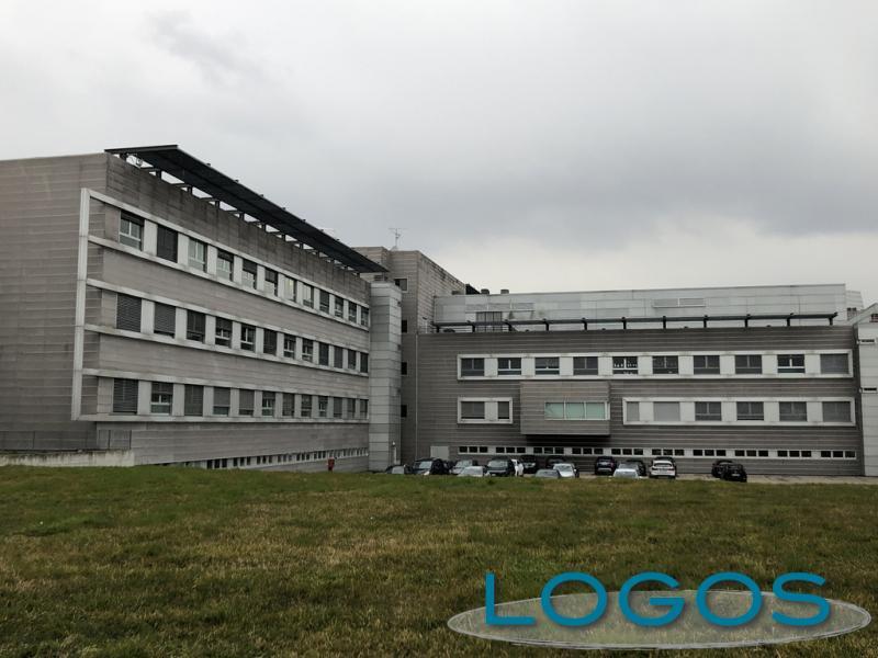 Legnano - Ospedale, si adattano i reparti per il Covid-19