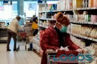 Commercio - Fare la spesa (Foto internet)