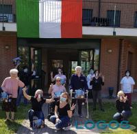 Arconate - 'Autotrasporti Gamba' dona Colombe per la Pasqua