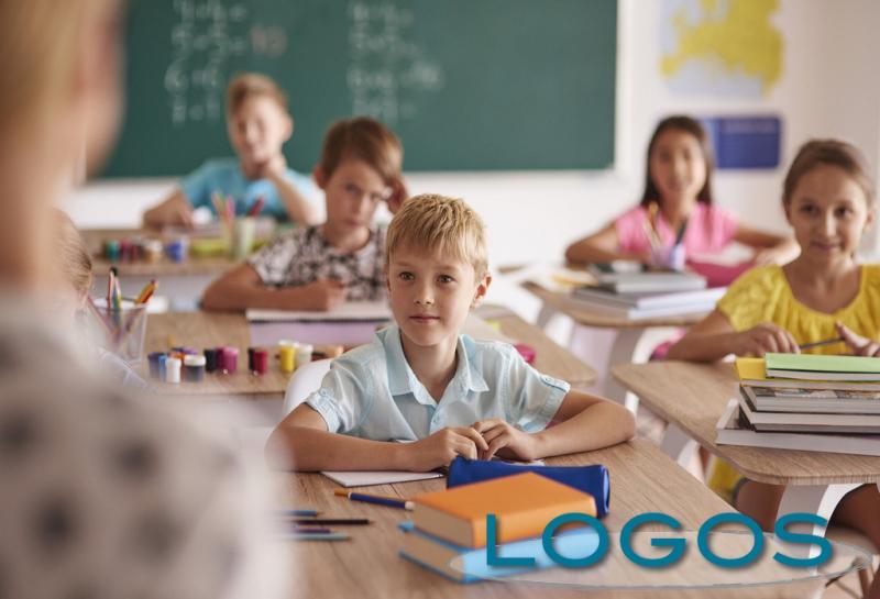 Scuola - Bambini a lezione (foto internet)