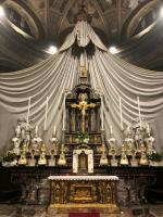Inveruno - Altare della chiesa di San Martino restaurato.