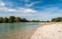 Territorio - Una spiaggia sul Ticino (Foto internet)