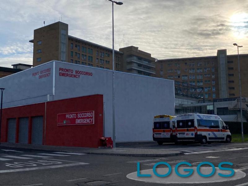 Magenta - Ambulanze fuori dal PS