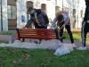 Magnago - I ragazzi durante la preparazione della panchina