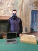 Castano - Il sindaco con uno dei computer