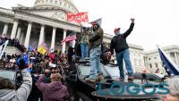 USA - Manifestanti a favore di Trump al Congresso (foto CNN)