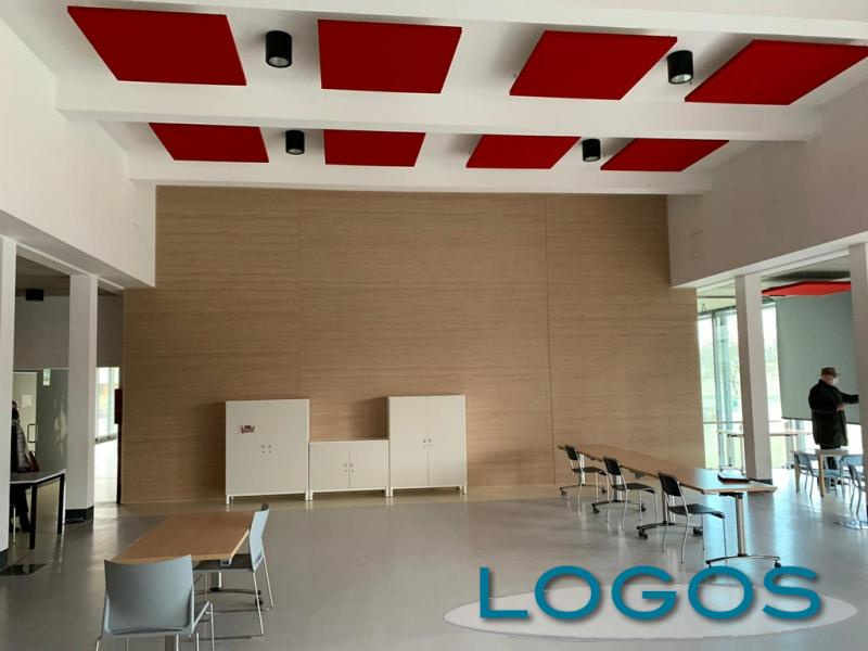 Castano - La sala polifunzionale della scuola di via Giolitti